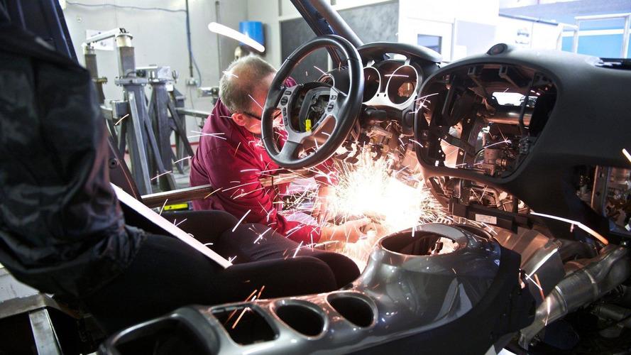 Nissan Juke-R: The engineering prospective [video]