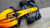 Stoffel Vandoorne, McLaren MCL33, pit stop