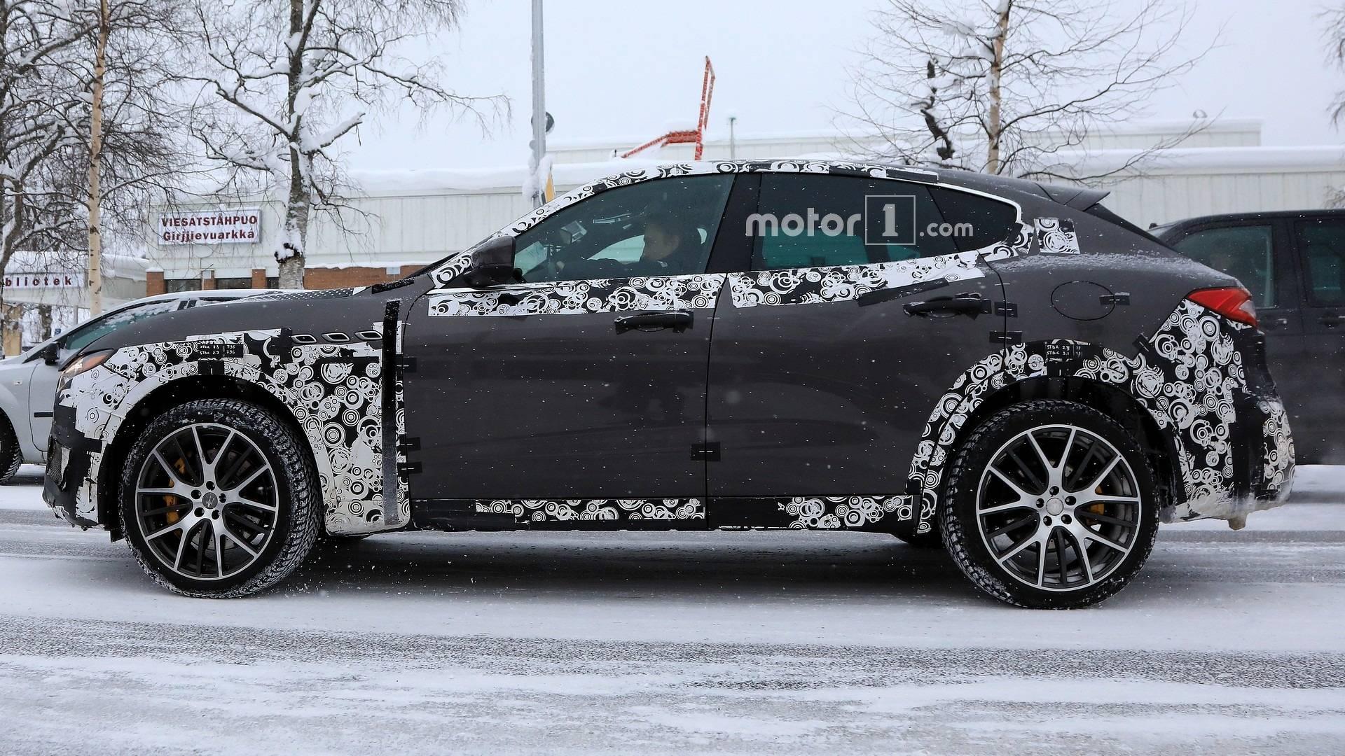 2016 - [Maserati] Levante - Page 11 2019-maserati-levante-gts-spy-photo