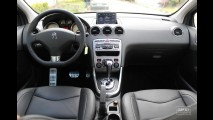 Garagem CARPLACE: Itens de série e detalhes do acabamento interno do Peugeot 408 1.6 THP