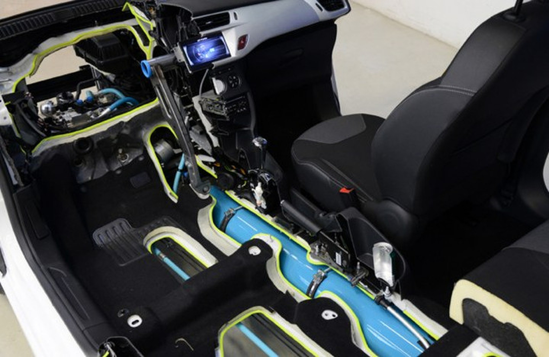 Peugeot's Innovative Compressed Air Hybrid Actually Coming to Market
