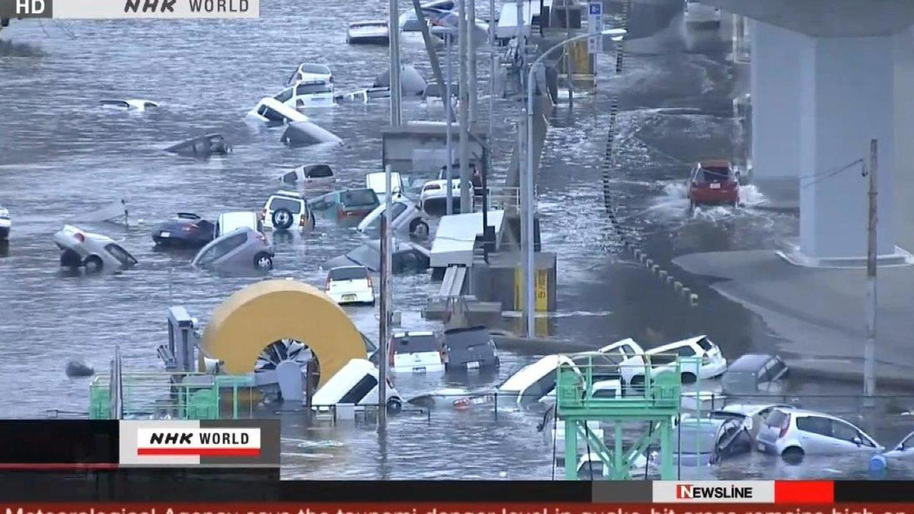 Japanese earthquake and tsunami screenshot, 1280, 14.03.2011