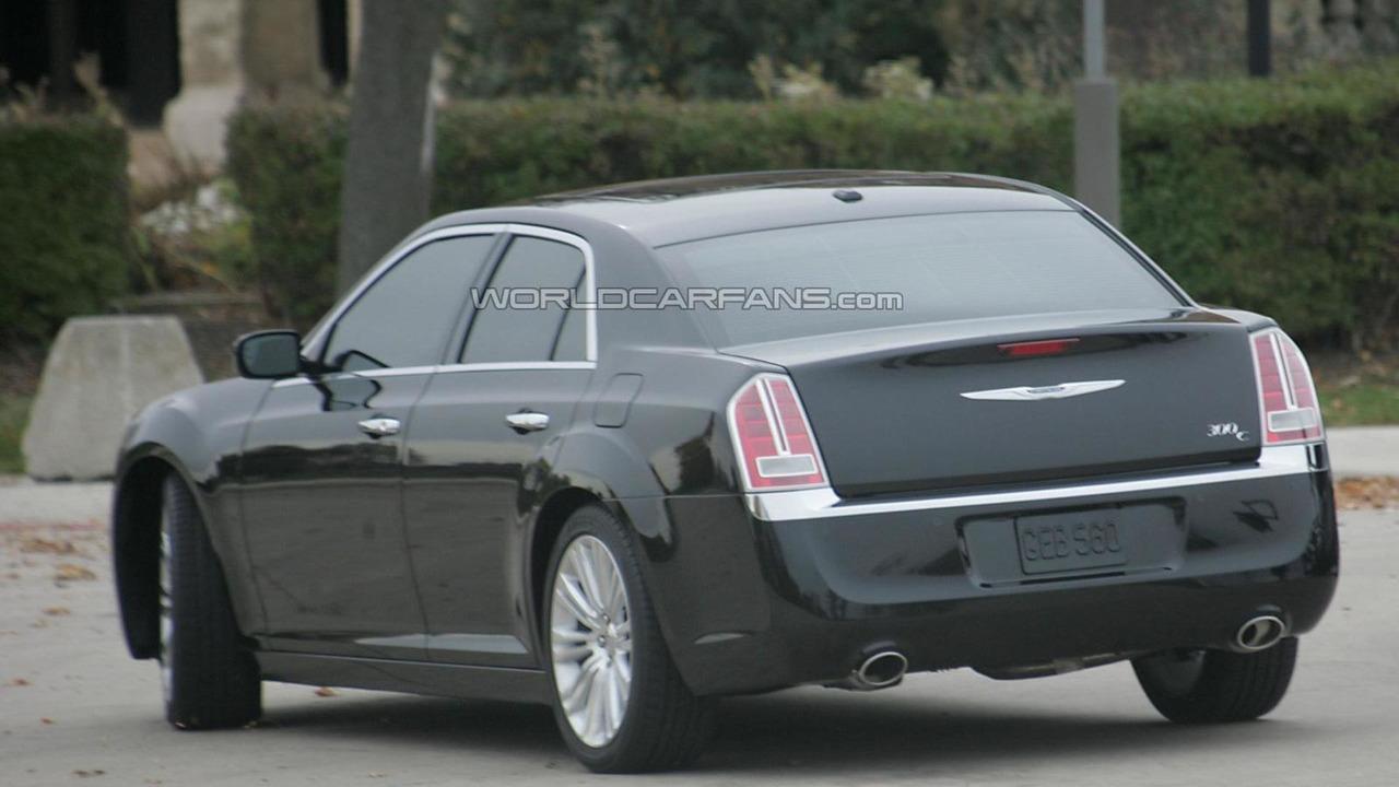 2011 Chrysler 300C spy photos 11.05.2010