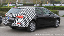 2011 Opel Astra Sports Tourer Spy Photos 09.04.2010