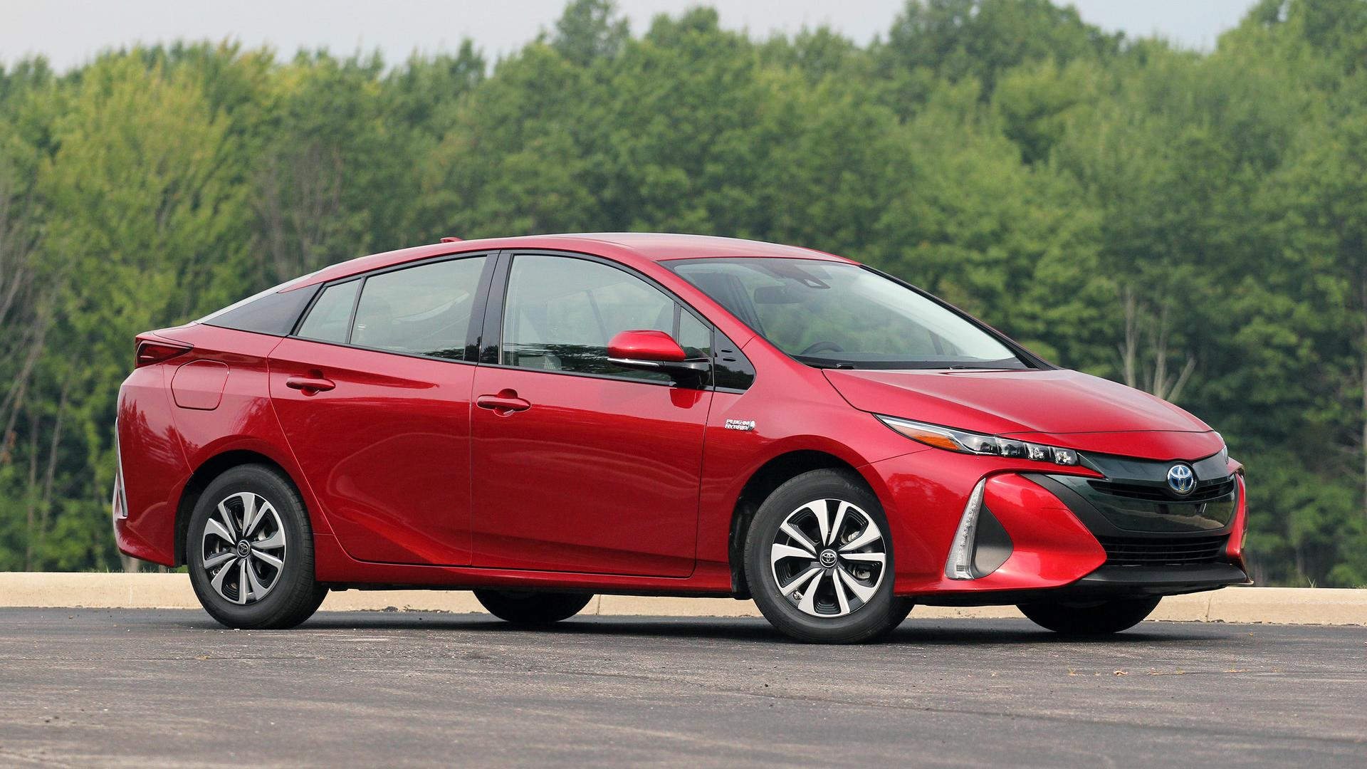 2017 toyota prius prime review the argument against cord. Black Bedroom Furniture Sets. Home Design Ideas