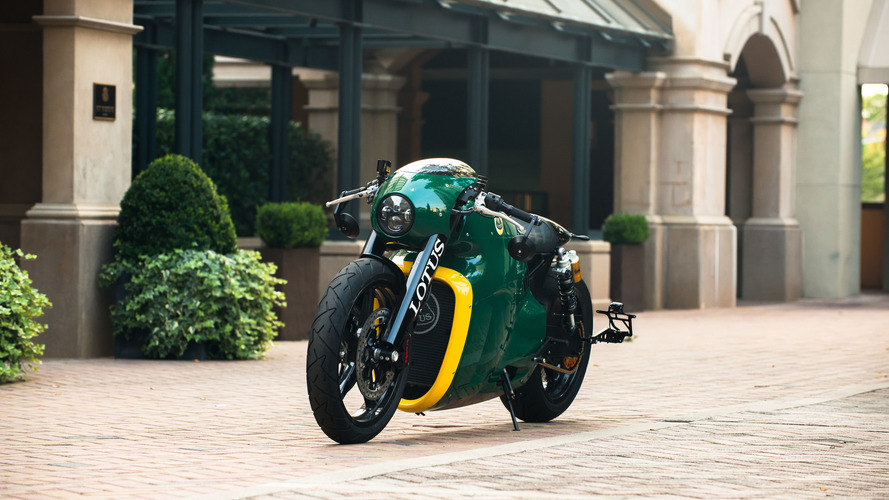 Roborace firmasından Daniel Simon'ın tasarladığı Lotus C-01 açık arttırmayla satışa çıkıyor