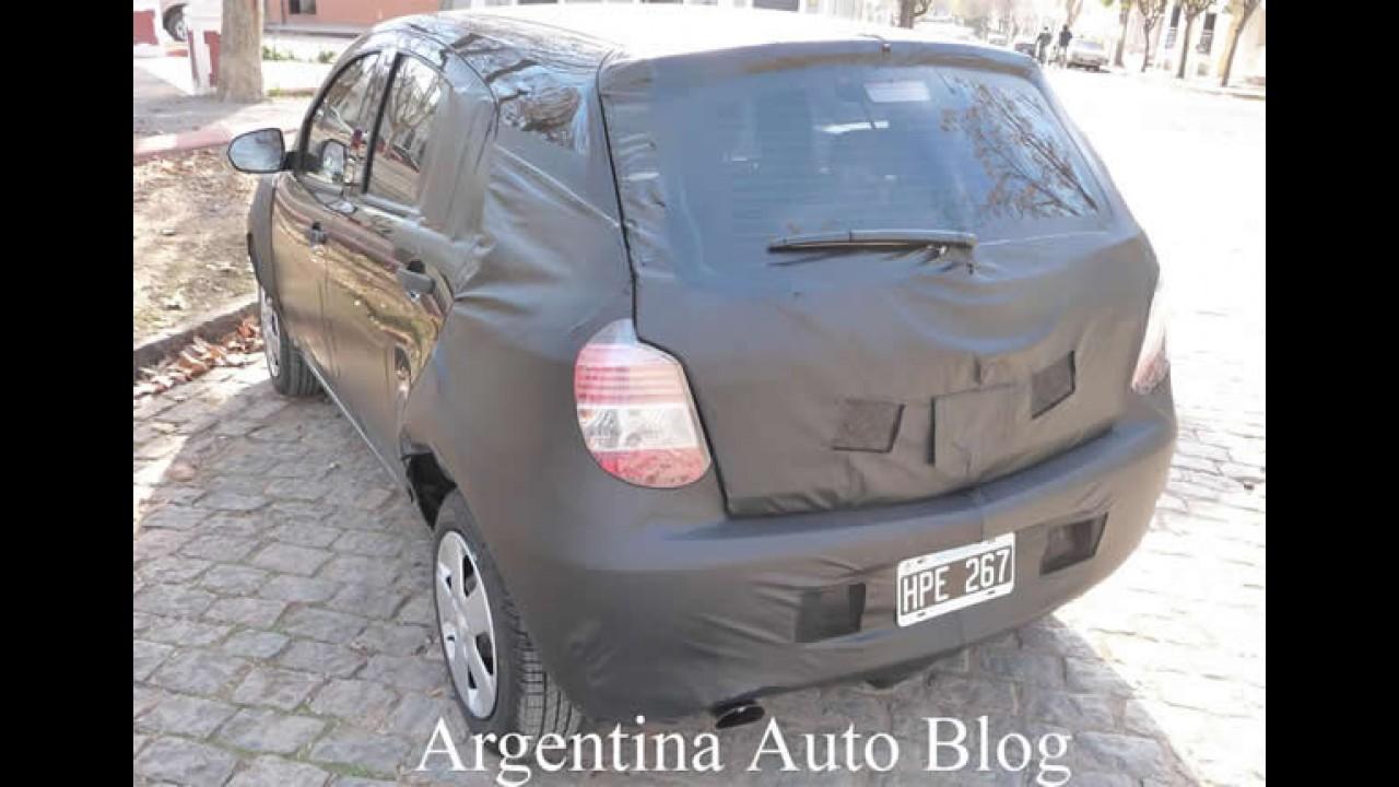 Novo flagra do Chevrolet Agile na Argentina revela o interior - Veja fotos