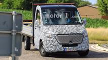 Mercedes-Benz Sprinter Spy Pics