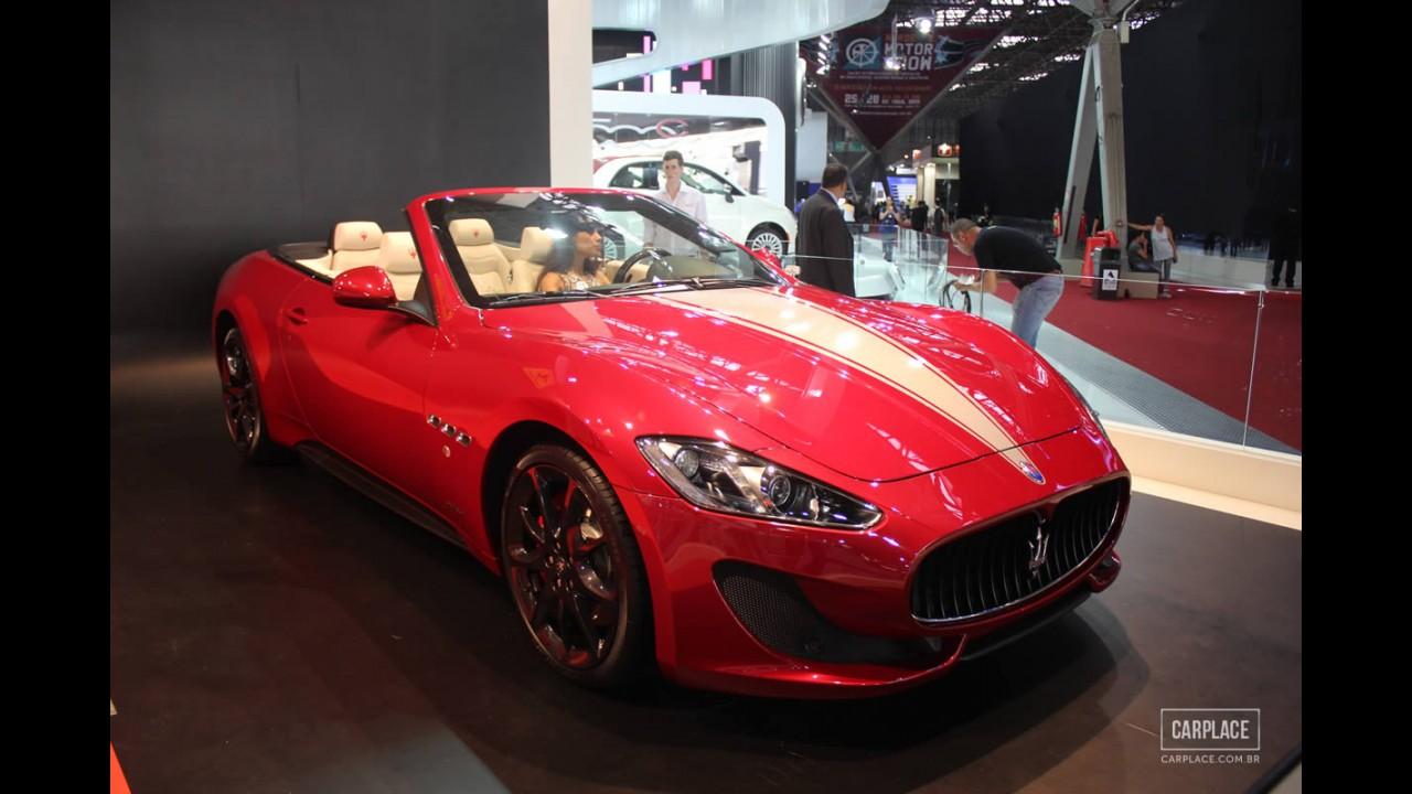 Salão do Automóvel: Ferrari e Maserati brilham juntas no estande da Fiat