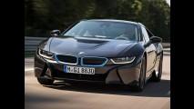 Deu ruim! Jornalista capota BMW i8 durante test-drive para imprensa