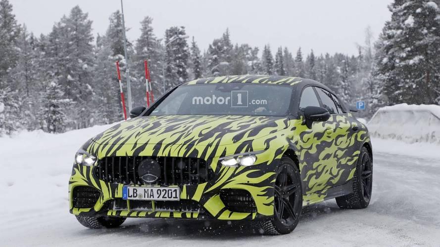 Mercedes-AMG GT Coupe korteji yakalandı