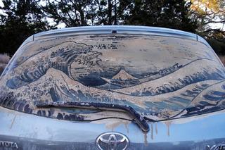 Texas Man Turns Dirty Car Windows into Art