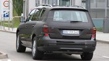2012 Mercedes GL spy photo - 8.8.2011