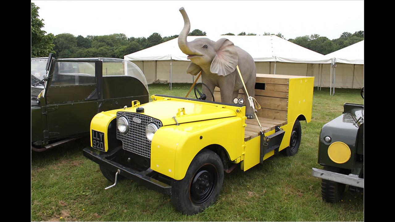 Series I Bertram Mills Circus Car (1950)