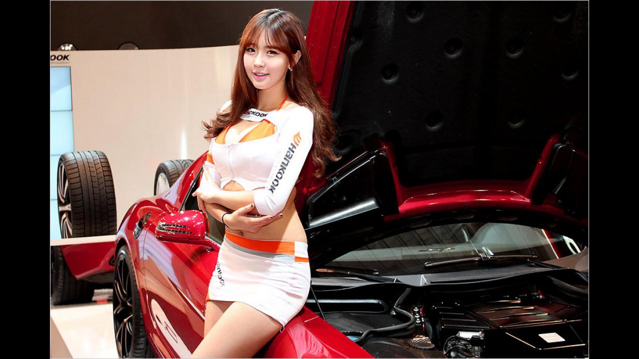 Das ist wieder eine der Hankook-Asiatinnen. Wir geben es zu: Die gehören zu unseren Favoriten
