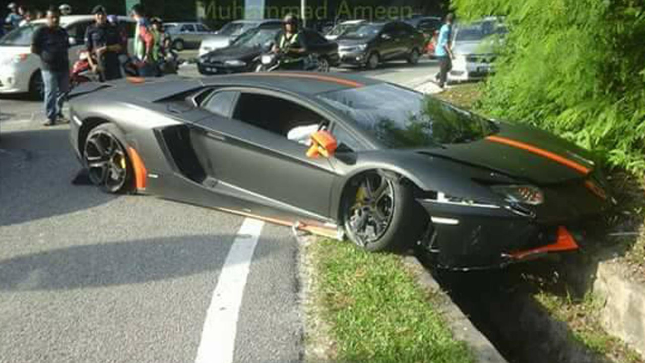Aventador crash Malaisie