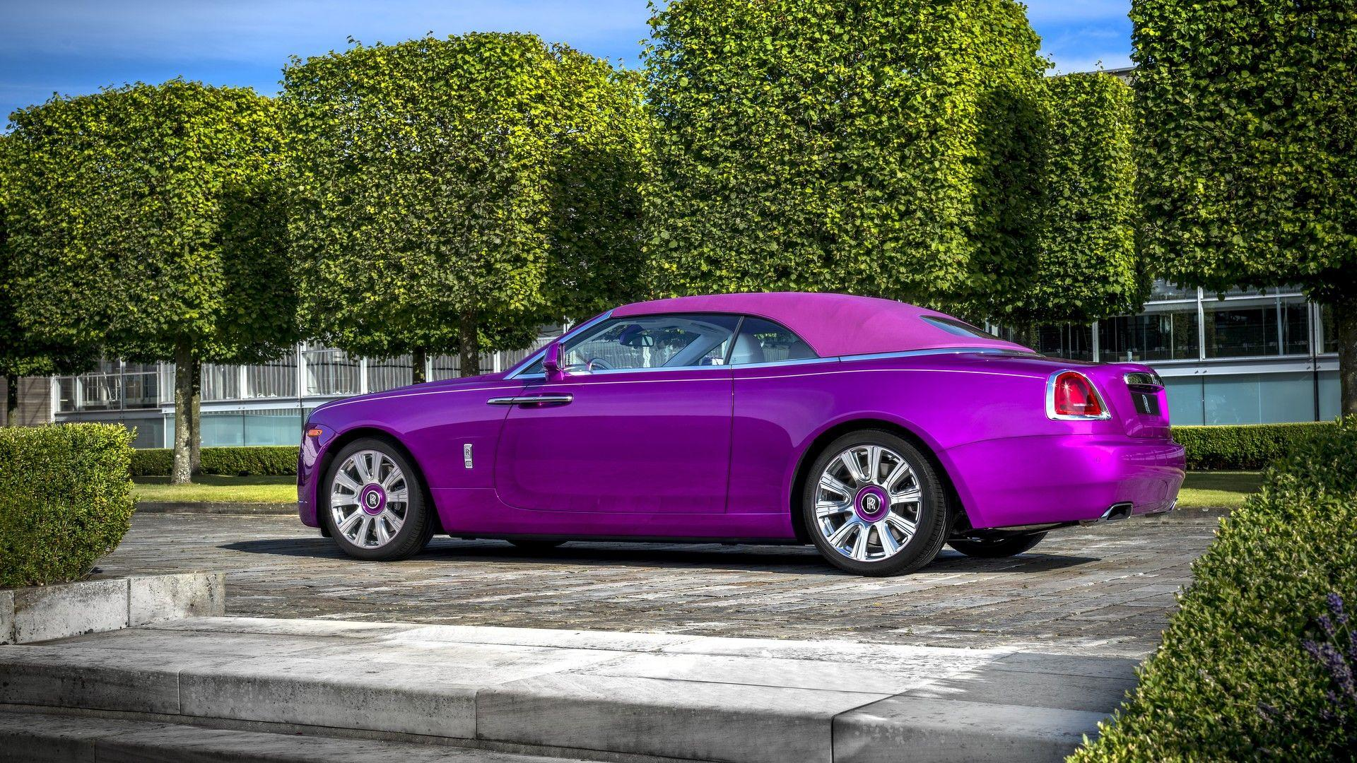 une rolls royce dawn fuchsia pebble beach. Black Bedroom Furniture Sets. Home Design Ideas