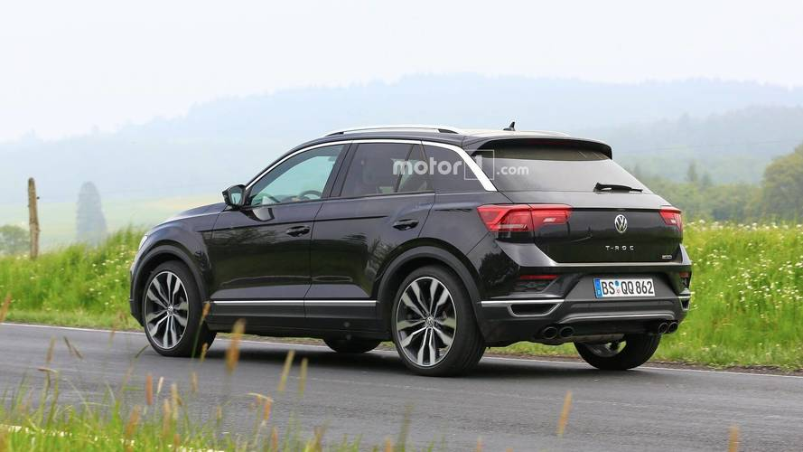 vw t roc r spied undisguised but with the regular model 39 s body. Black Bedroom Furniture Sets. Home Design Ideas
