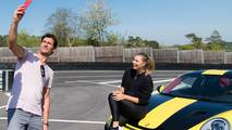 Maria Sharapova, Mark Webber és a Porsche 911 GT2 RS