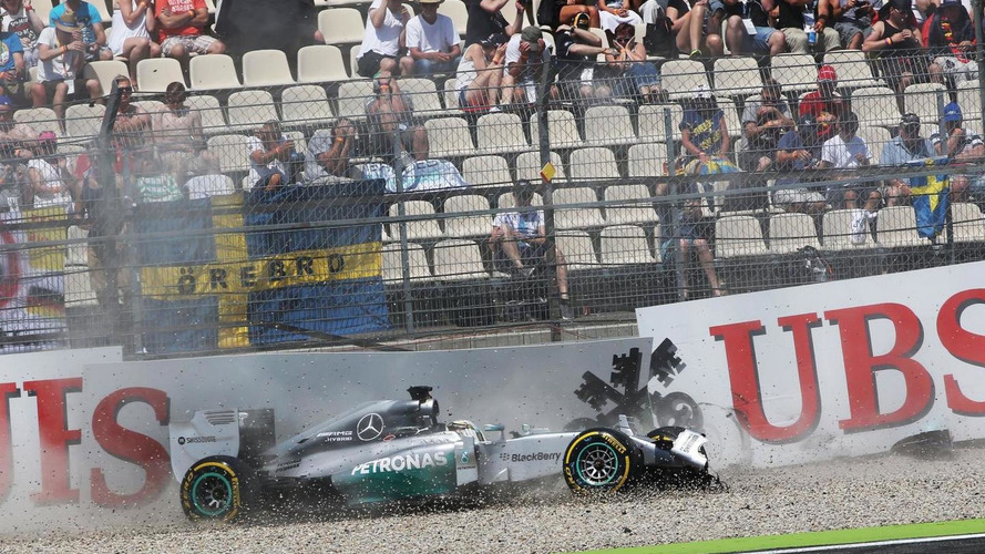 Mercedes points at disc supplier as Hamilton crashes