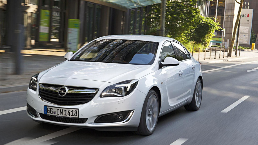 Opel Insignia gains a new diesel engine & Apple CarPlay compatibility