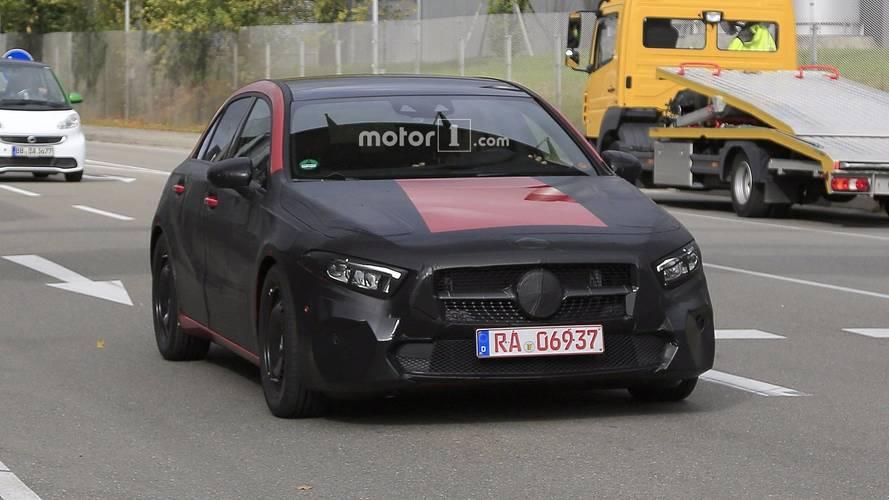 2018 Mercedes A Serisi sahte egzoz çıkışlarıyla görüldü