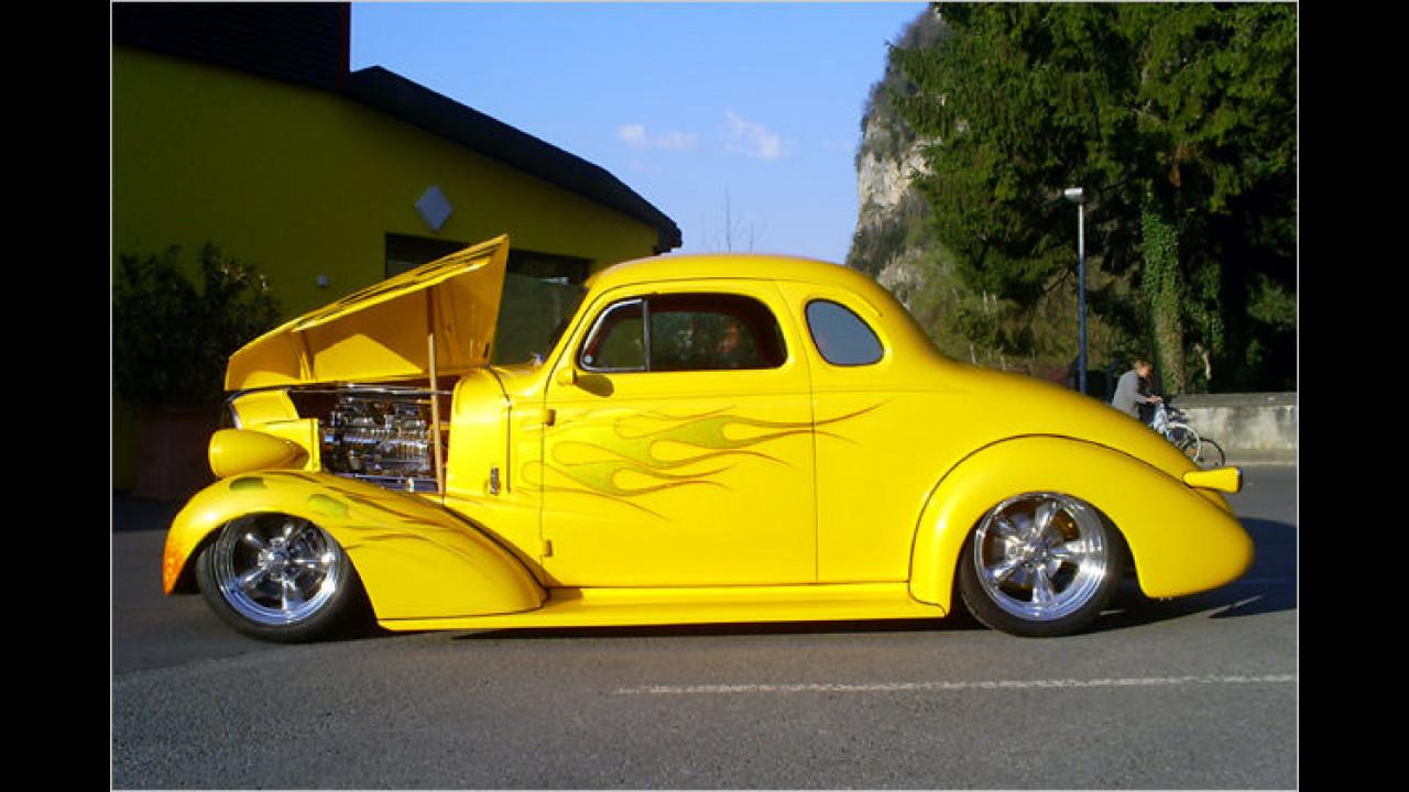 Custom Cars: 1937 Chevy Coupé