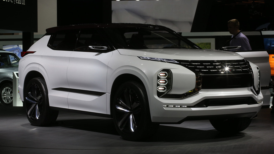Mitsubishi GT-PHEV, stantta kendisini gösteriyor