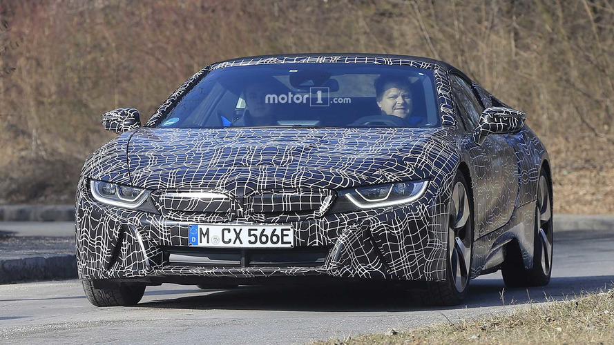 BMW i8 Roadster'ı muhtemelen Los Angeles'ta tanıtacak