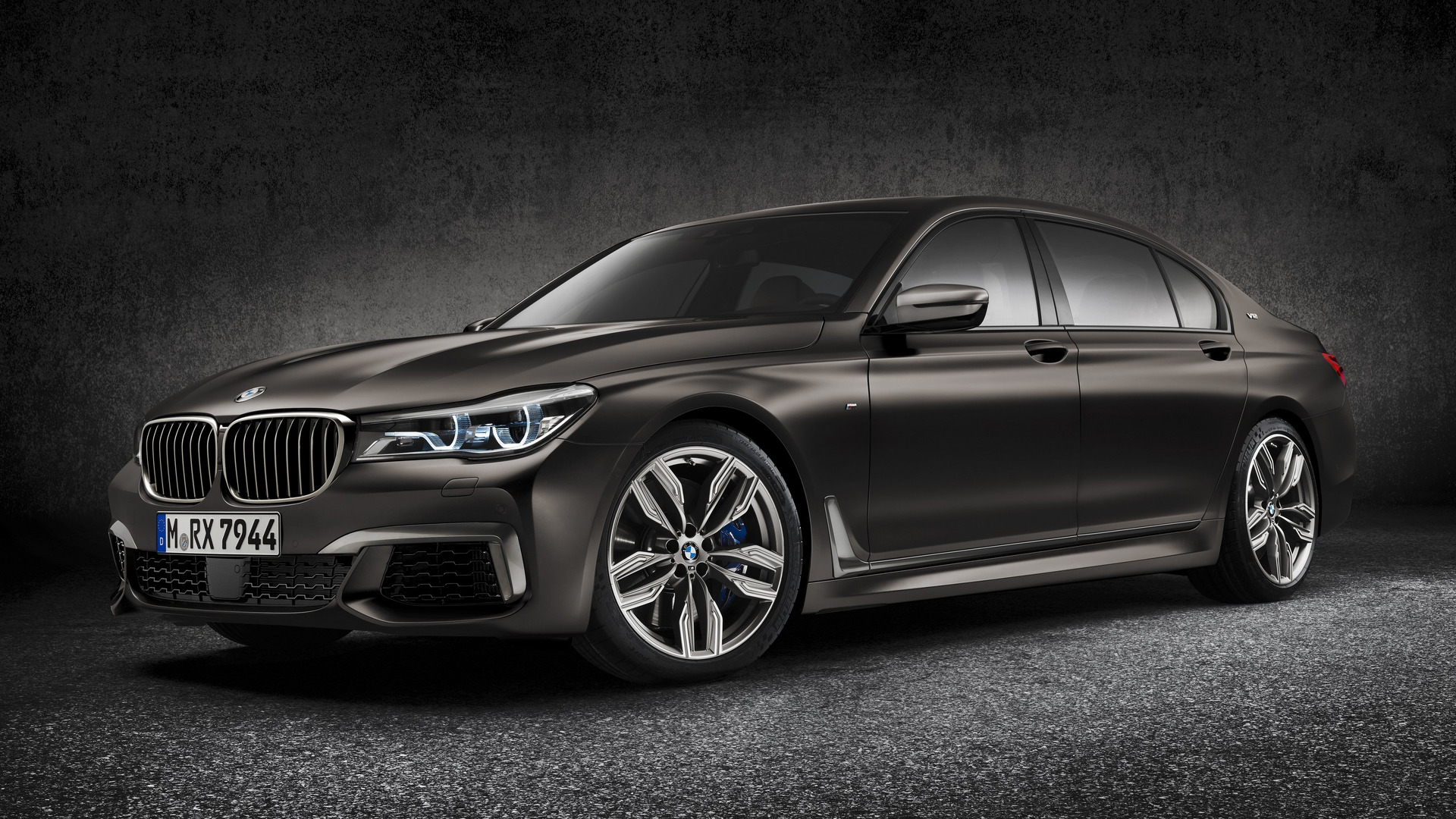 BMW prices 12 cylinder M760i xDrive from $153 800
