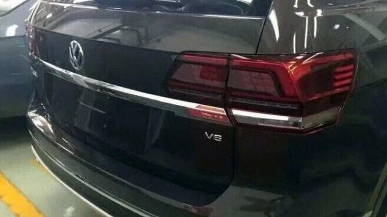 """Flagra: versão de produção do CrossBlue, Volkswagen Teramont aparece """"limpo"""""""