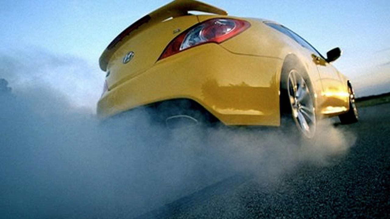 2010 Hyundai Genesis Coupe Super Bowl XLIII commercial screen shot