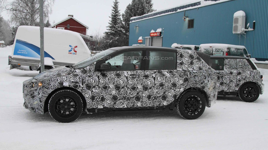 2013 BMW 1-Series GT caught testing front-wheel-drive system