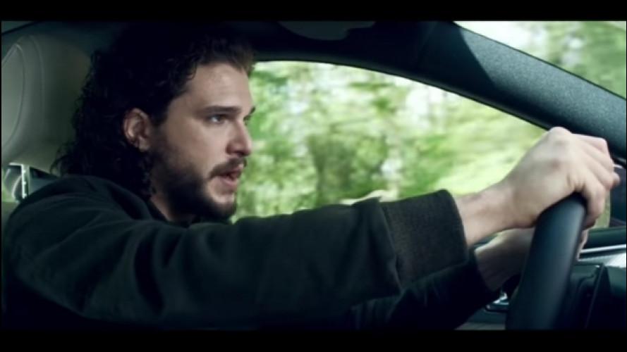 Game of Thrones, Jon Snow guida una Infiniti Q60 [VIDEO]