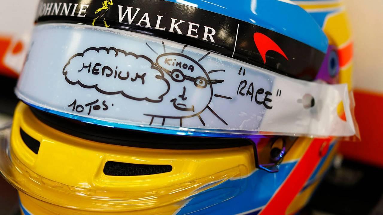 Casco de Fernando Alonso en McLaren