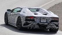 Lamborghini Aventador Roadster facelift spy photo