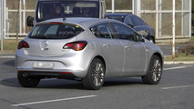 2013 Opel \ Vauxhall Astra facelift spy photo 19.3.2012