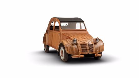 La 2 CV en bois prend la pose pour Citroën