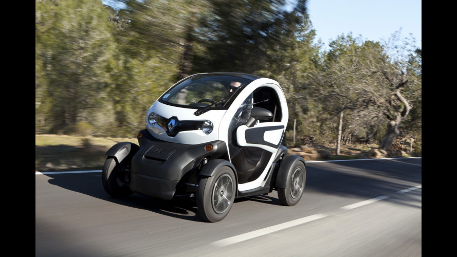 Renault Twizy, l'auto antiscooter costa 6.990 euro