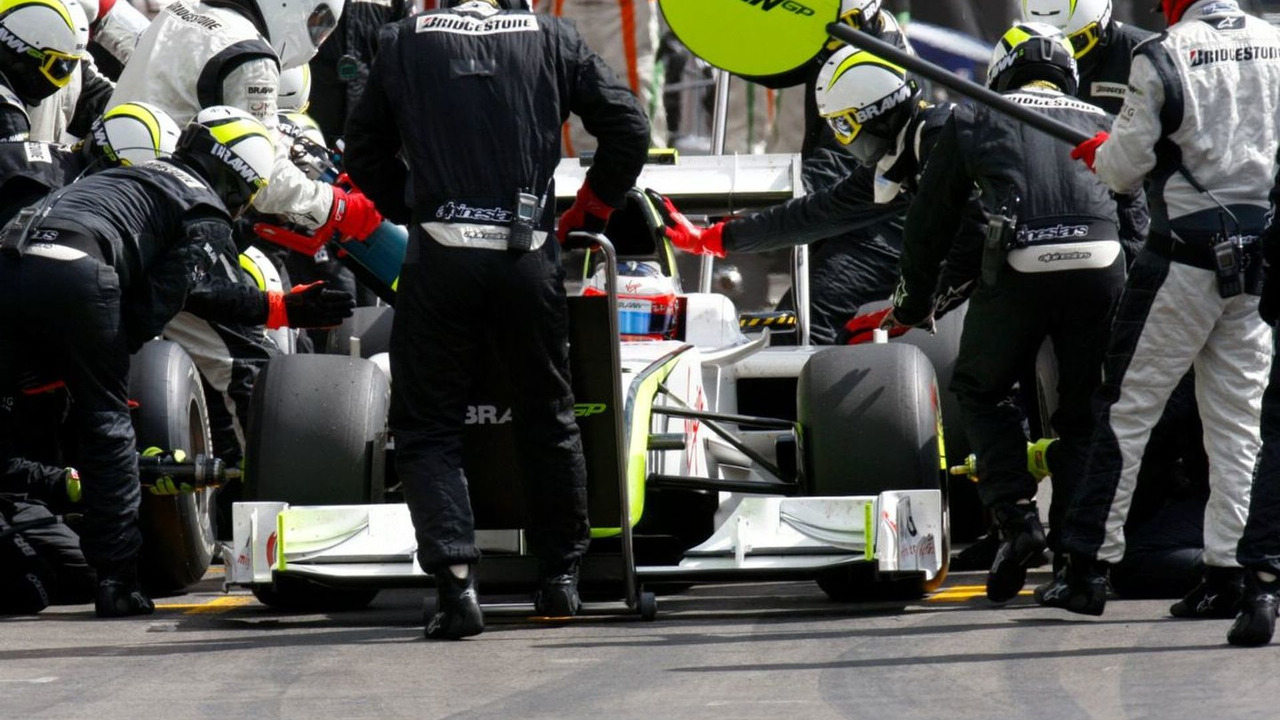 Rubens Barrichello, pit stop, Belgian Grand Prix, Spa-Francorchamps, Belgium, 30.08.2009