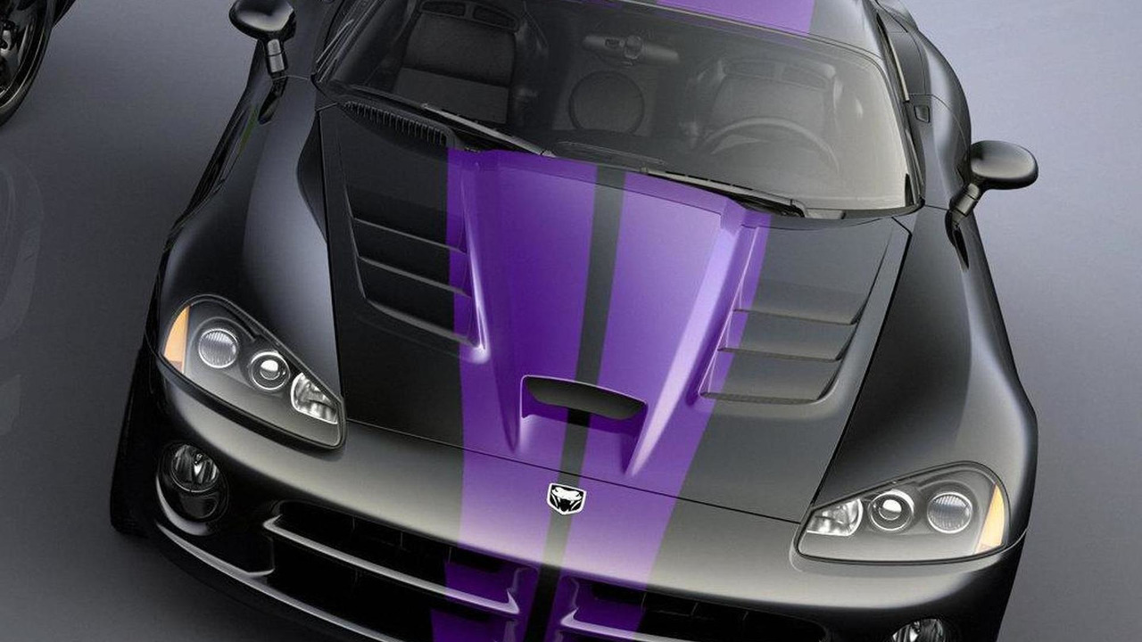 Black SRT10 Coupe with Plum Crazy dual racing stripes developed with Roanoke Dodge in Roanoke, Ill, 1016, 09.06.2010