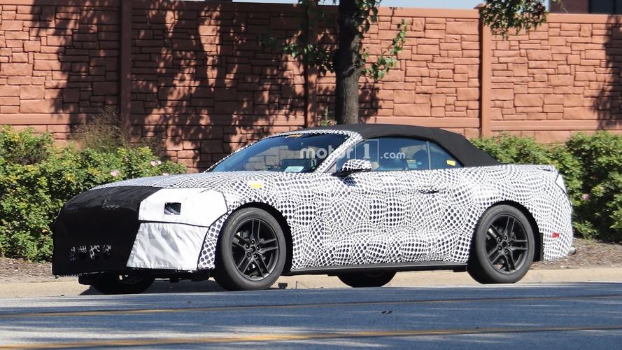 Üstü açılır 2018 Ford Mustang ağır kamuflajla görüntülendi