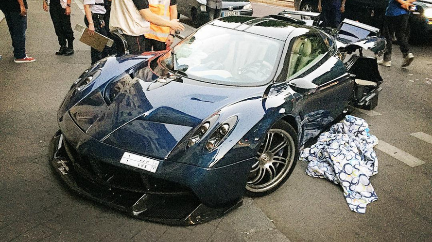 Pagani Huayra Pearl accidenté à Paris