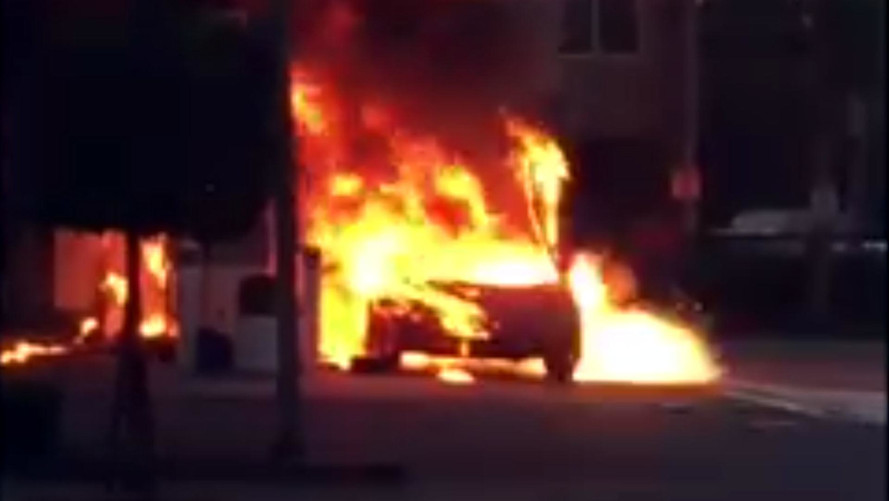 This Burning Lamborghini Countach Is Literally Too Hot To Handle