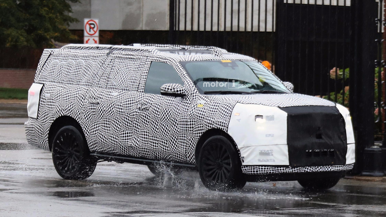 next gen lincoln navigator interior spied with cues from crazy concept. Black Bedroom Furniture Sets. Home Design Ideas