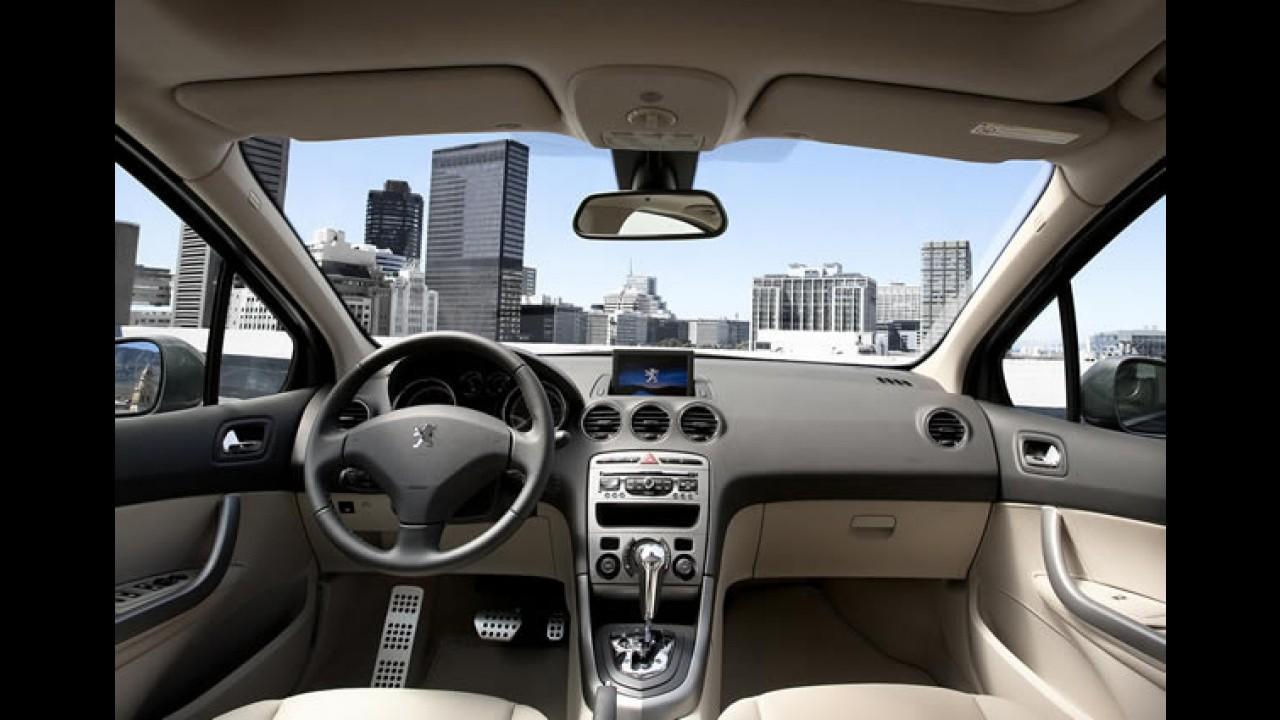 Peugeot 408 estreia pára-brisas acústico entre sedans médios