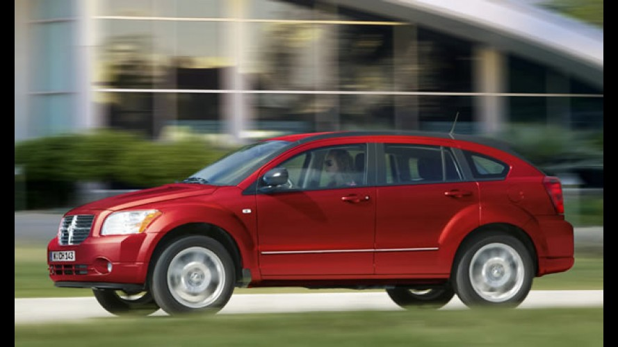 Recall: problemas no acelerador do Dodge Caliber e no Jeep Compass