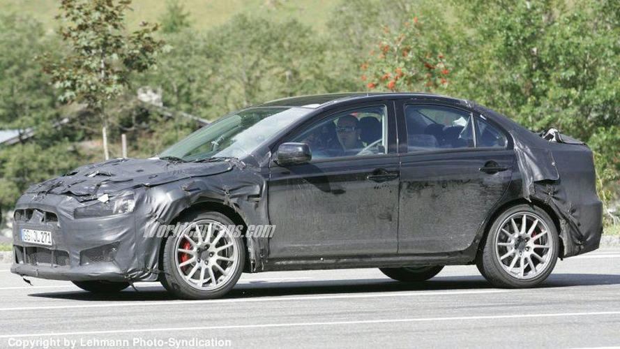 SPY PHOTOS: High Performance Mitsubishi Lancer