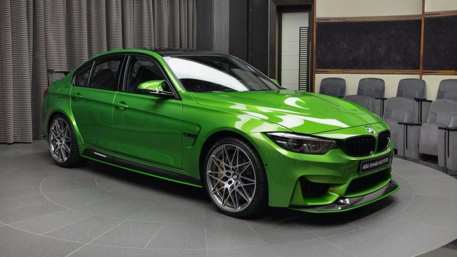 Java Yeşili bu BMW M3, mütevazı kelimesinin zıt anlamlısı