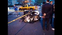 Lamborghini Aventador spezzata a metà in un incidente